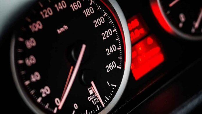 Limiti velocità patente B